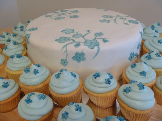 blueflowercake